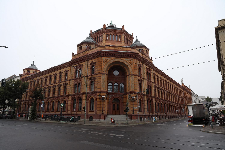 Das Postfuhramt an der Oranienburger Straße